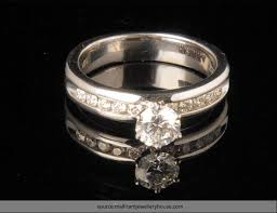 Make Wedding Ring by To Make Your Engagement Ring Solitaire Look Larger