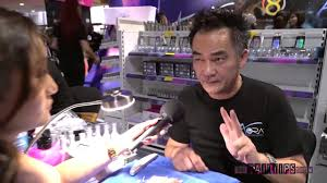 aora holographic chrome and gep nails with mr trang nguyen at isse
