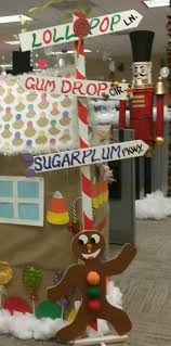 Cubicle Decoration Themes Best 25 Gingerbread House Decorating Ideas Ideas On Pinterest