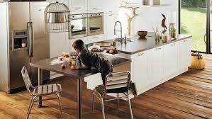 ilot cuisine avec table coulissante la cuisine fait la part à l îlot diaporama photo