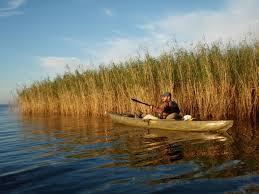 kayak fishing pack and paddle