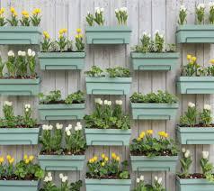 Vertical Garden For Balcony - 12 ideas for flowering container gardens