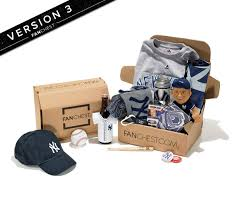 gifts for yankees fans new york yankees gift boxes yankees apparel best yankees gifts