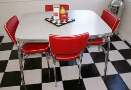 Diner Style Kitchen Table by Retro Decor Blog