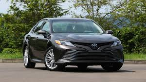 toyota foreign car 2018 toyota camry xle hybrid improves on last year u0027s model in