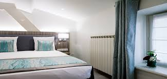 hotel lyon chambre 4 personnes hôtel 3 étoiles à lyon centre historique parking privé wifi gratuit