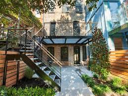 Townhouse Backyard Landscaping Ideas by Grating All The Way Across Lets Light Through Deck Pinterest