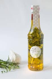 selbstgemachte geschenke aus der k che ganz einfache küche ganz einfache geschenke aus der küche kräuteröl