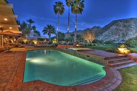 us and canadian snowbirds migrate palm springs real estate