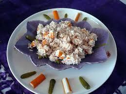 cuisiner le surimi recette de salade de riz thon surimi cornichons