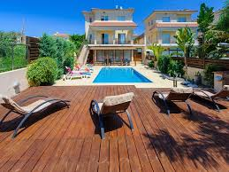 cy1944 beach holiday villa only 250m to the beach restaurants