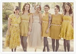 kleid fã r brautjungfer die besten 25 mustard bridesmaid dress colors ideen auf