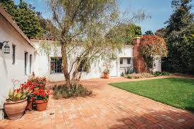 marilyn monroe house address marilyn monroe s pretty brentwood home sells for 7 25m curbed la