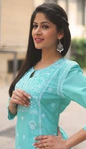straight hair with outfits best trendy hairstyles to try with traditional outfits different