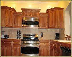 Paint Color Ideas For Kitchen With Oak Cabinets Paint Colors To Use With Oak Cabinets Home Design Hay Us