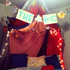 Bed Fort 5 Cool Forts To Make With Your Kids U2022 The Lake Country Mom