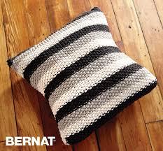bernat stepping stripes pillow knit pattern yarnspirations