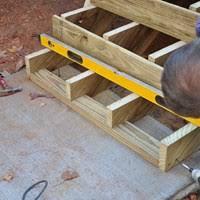 decks com deck stair stringers spacing