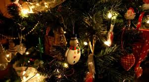 who has the cheapest christmas lights 5 unique christmas presents to buy for the person who has everything