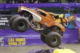 monster trucks jam push away the screen monster jam 2015 tampa bay