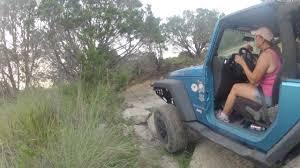 jeep wrangler girls texas jeep girls bouncing crawl 1 youtube