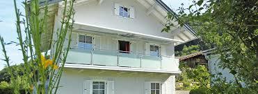 edelstahl balkon mit glas balkone geländer in edelstahl glas