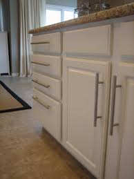 kitchen room placement of kitchen cabinet knobs and pulls