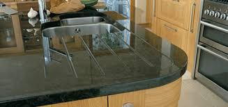 plan de travail cuisine noir paillet plan de travail noir paillet simple awesome evier cuisine noir les