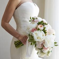 brides bouquet 3 reasons to retire the tradition of tossing the bridal bouquet