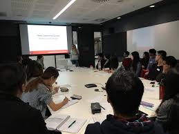 a new peer learning experience at the business teaching
