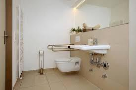 badezimmer behindertengerecht umbauen badezimmer barrierefrei sanieren in frankfurt