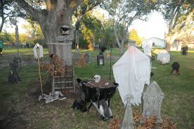 cool halloween yard decorations triyae com u003d backyard haunted house ideas various design
