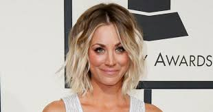 sweeting kaley cuoco new haircut how to get kaley cuoco s tousled grammy awards hairstyle in 5 easy
