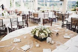 how to make burlap table runners for round tables house of hydrangeas diy burlap table runners family reunion ideas
