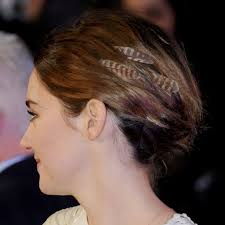 feathers in hair shailene woodley s hair feathers 2015 popsugar beauty
