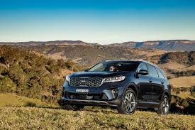 updated 2018 kia sorento gains new 8 speed box and safety features