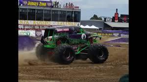 grave digger monster truck 30th anniversary monster jam salinas 2016 racing gas monkey garage vs grave digger