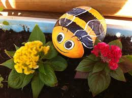 Bee Garden Decor 21 Rockpainting Ideas To Create Bright Accents For Garden Design