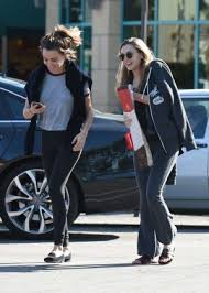 elizabeth with a friend on thanksgiving in los angeles
