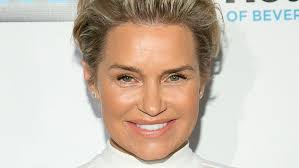 yolanda foster new hairstyle yolanda foster purges her old clothes for a new year s closet