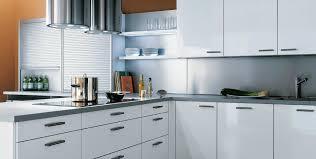 meuble cuisine en aluminium cuisine alno avec plan de travail en aluminium argenté photo 11