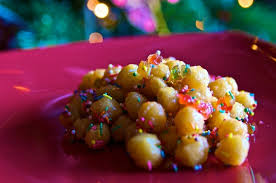 struffoli chrsitmas desserts in naples