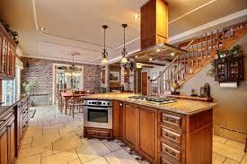 ilot de cuisine en bois armoire de cuisine bois massif cuisine sur mesure cuisine en bois