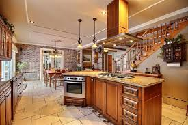ilot cuisine sur mesure armoire de cuisine bois massif cuisine sur mesure cuisine en bois