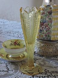 Vintage Yellow Glass Vase 550 Best Yellow Dishes Images On Pinterest Vaseline Depression