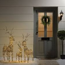 Outdoor Reindeer Decorations Best 25 Outdoor Christmas Reindeer Ideas On Pinterest
