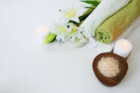 composition du sel de cuisine composition en station thermale avec des fleurs de lis des