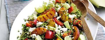 recette cuisine été recette végétarienne salade d été feta pêche et avocat