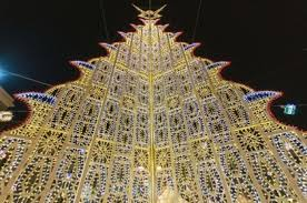 most popular christmas tree lights the cities with the best christmas lights in the world trust us