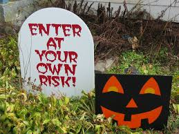 Decorating Your Yard For Halloween Scary Halloween Lawn Decoration Enter At Your Own Risk Halloween